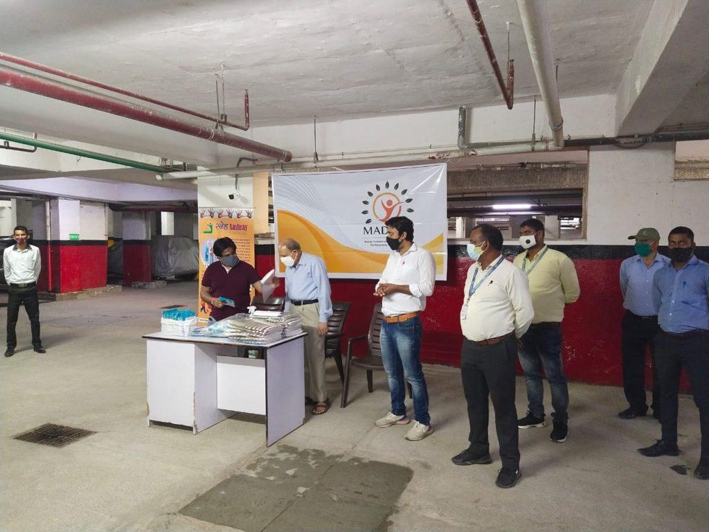 Mask distribution at Arihant 1