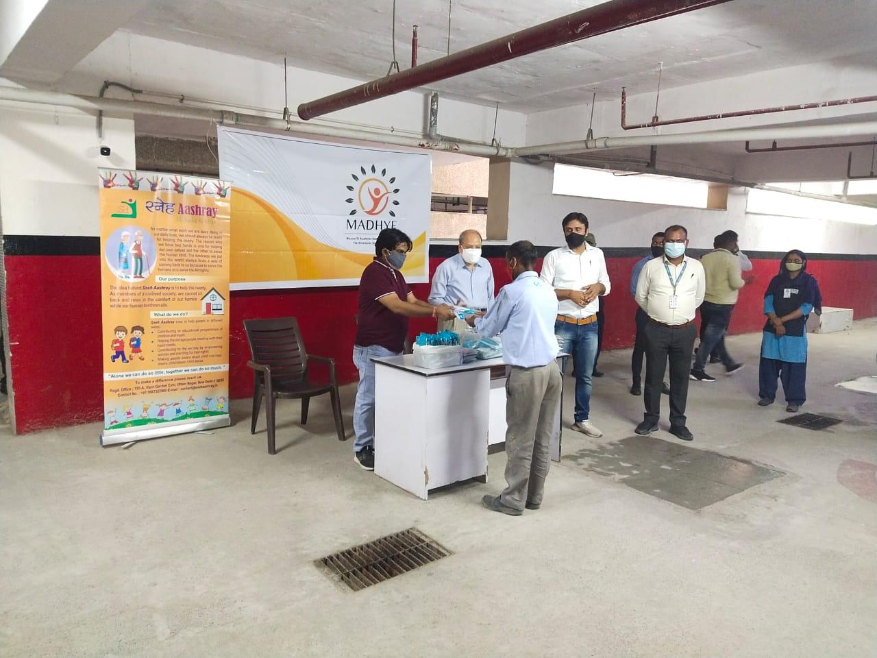 Mask distribution at Arihant 2