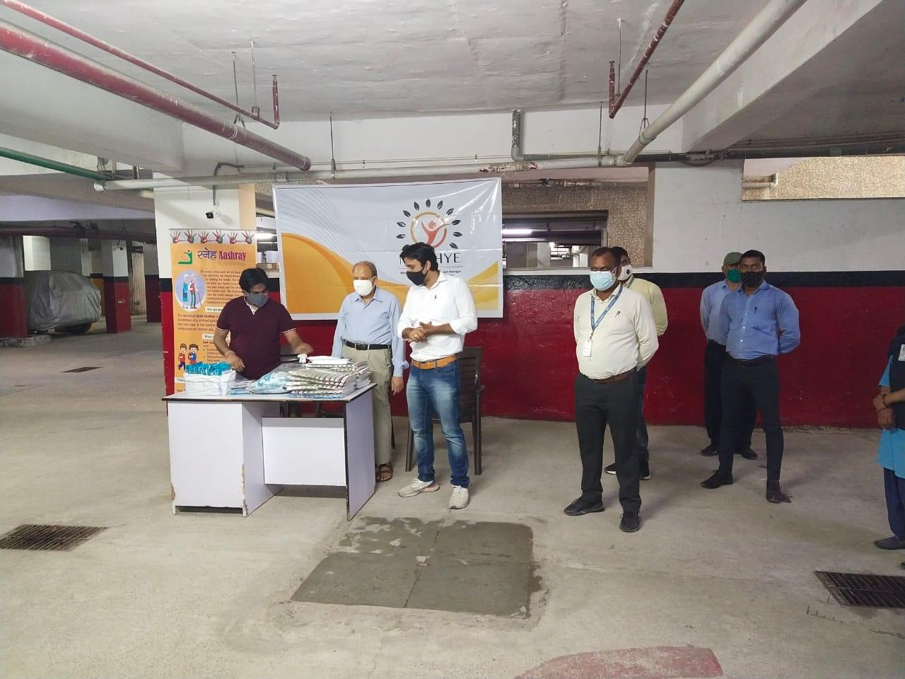 Mask distribution at Arihant 6